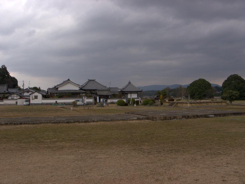 対面の川原寺