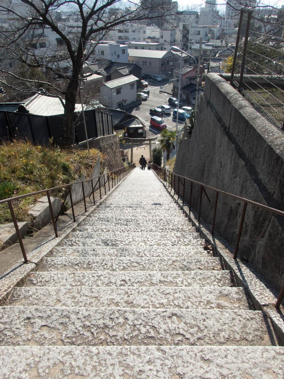 鯛乃宮の階段
