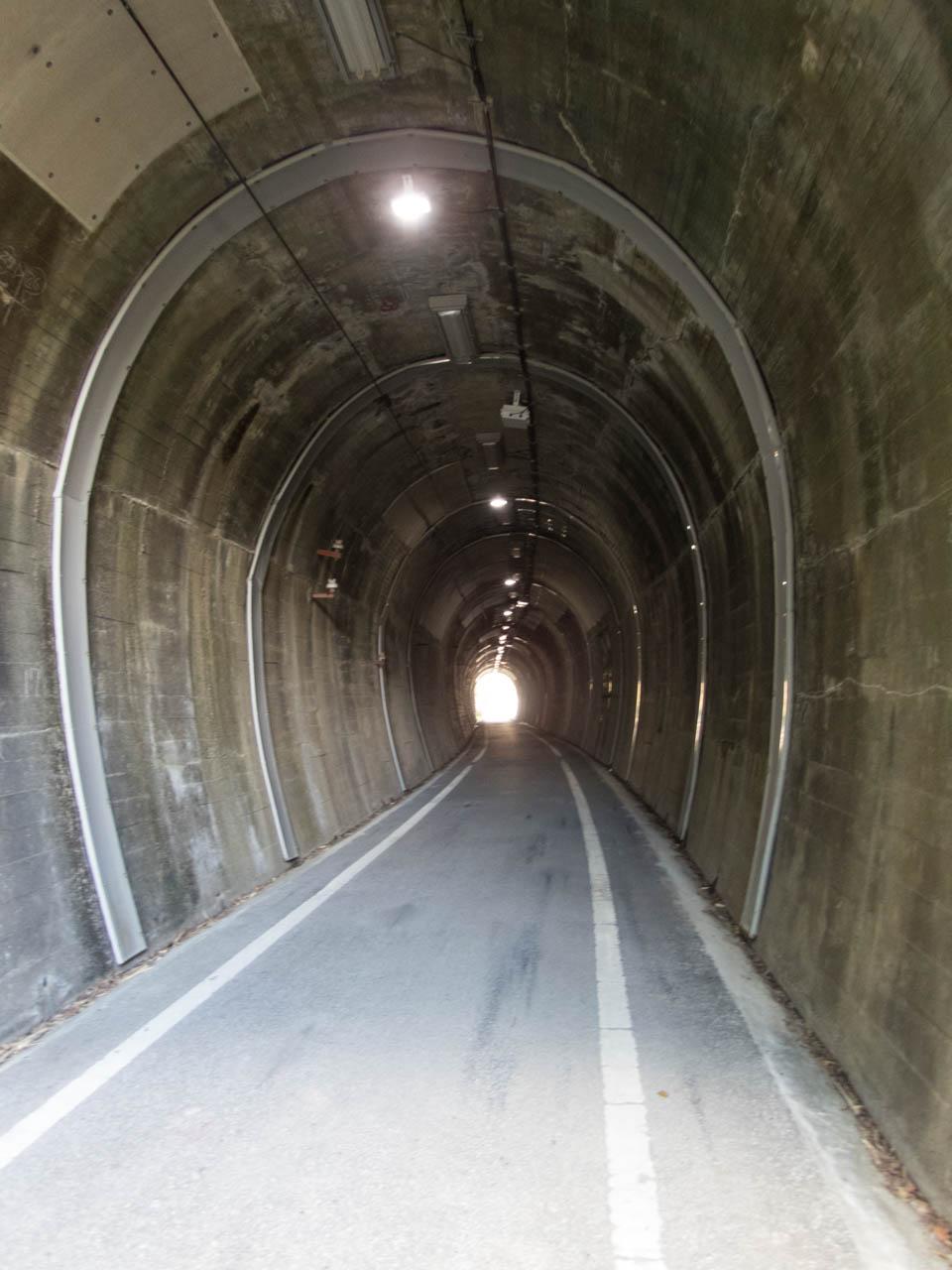 トンネル区間