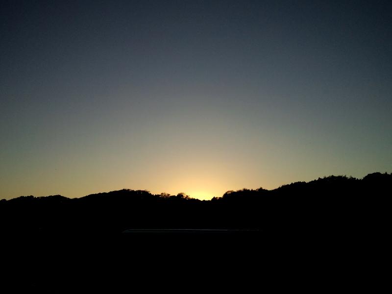 陽の落ちきった西空
