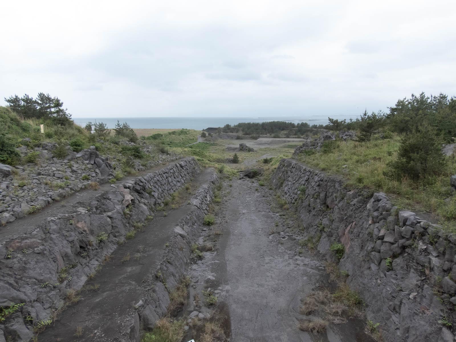 土石流の誘導路